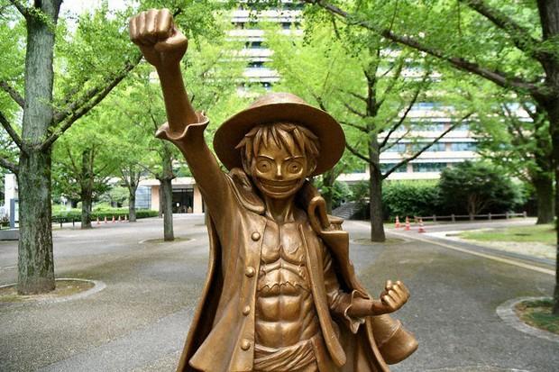 kumamoto-statua-one-piece