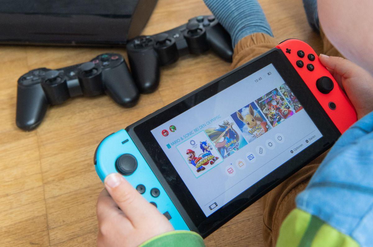 Nintendo-Switch-regna-in-Giappone,-la-concorrenza-arranca